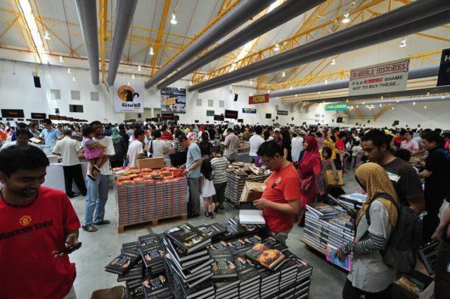 book-stores-in-dubai-sale-books book shop