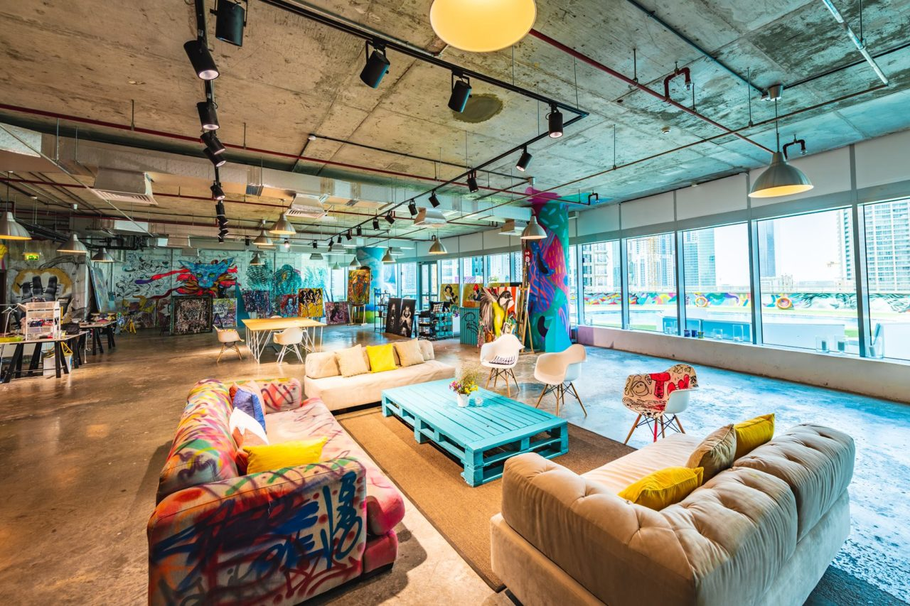 creative-co-working-space-in-dubai-701-dubai-with-art-murals-in-business-bay