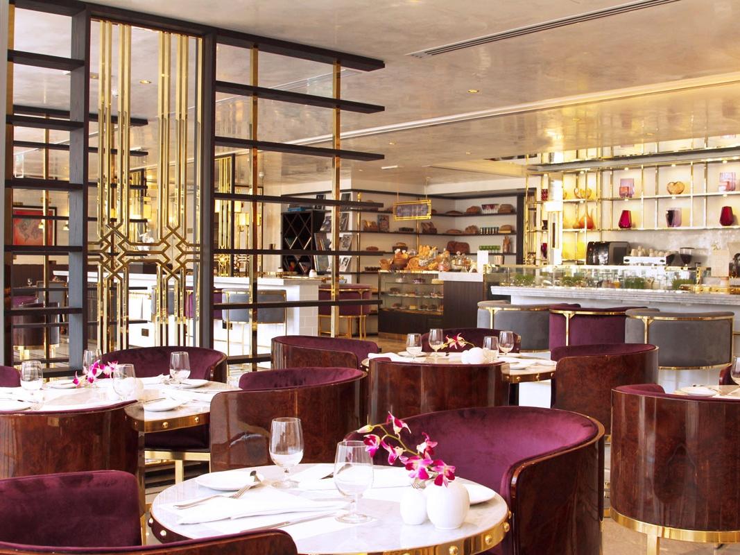 Café Society in Dubai Marina