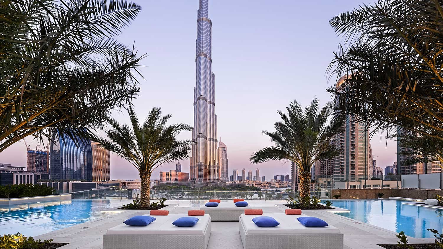 Looking For A Swimming Pool In Dubai With Burj Khalifa