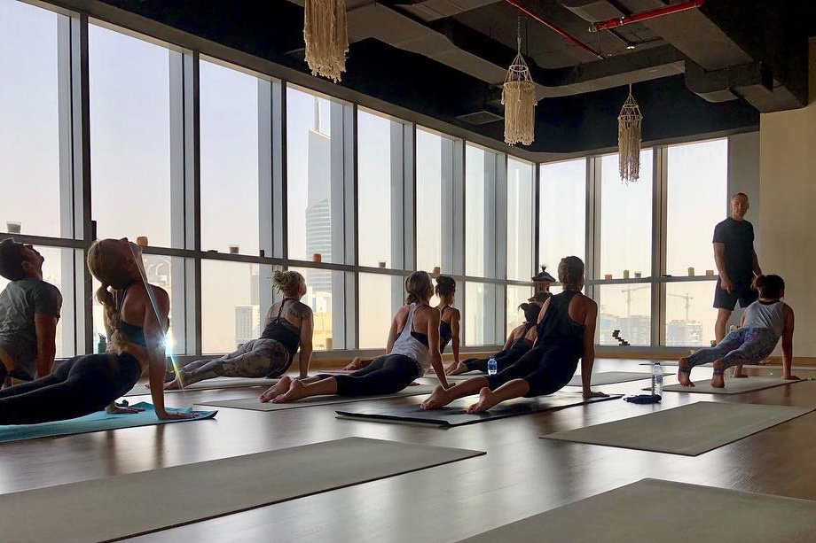free-yoga-classes-in-dubai-october-2018-karma-yoga-dubai