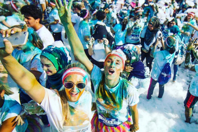 the-color-run-2018-dubai-foam-zone