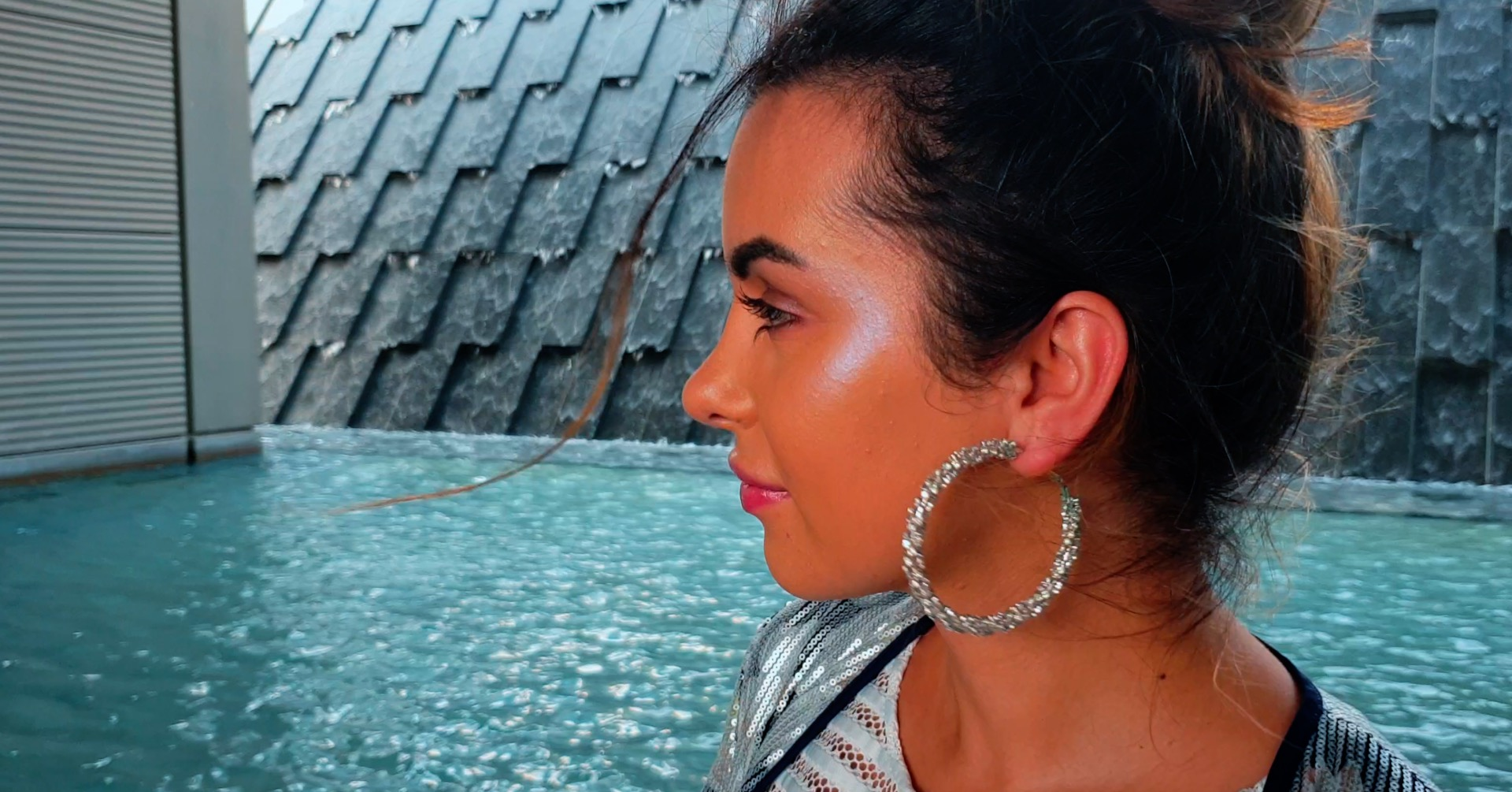 Holographic Makeup With Too Faced Highlighter