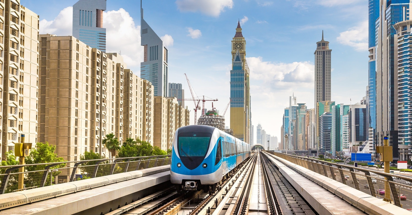 DUBAI-METRO-DUBAI-BUSES-dubai-public-transport-day-giveaways-