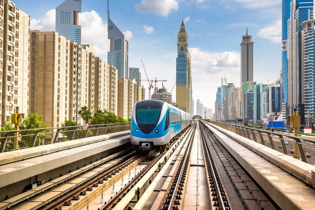 DUBAI-METRO-DUBAI-BUSES-dubai-public-transport-day-giveaways-COVER