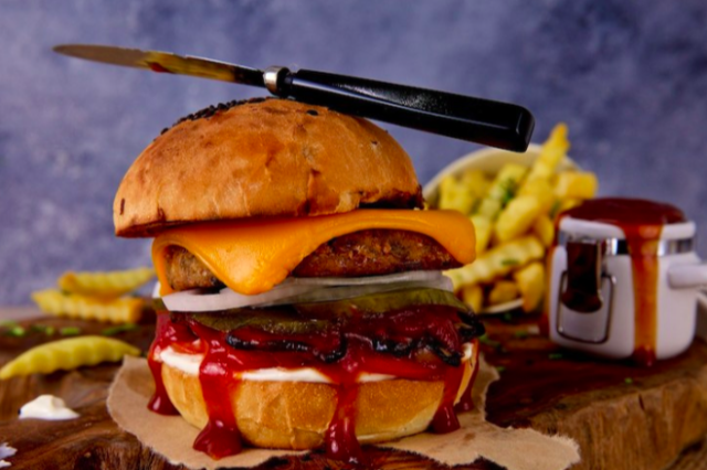 vegan-burger-in-dubai-at-dirt-vegan-food-in-dubai-vegan-restaurants-in-dubai