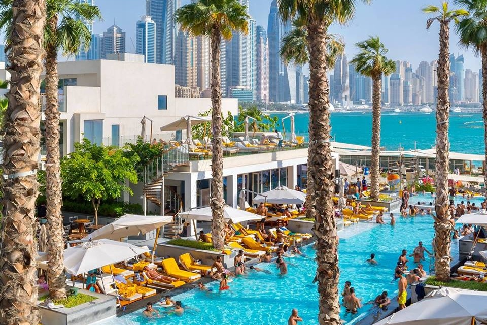 pool-parties-in-dubai-the-penthouse-five-palm-jumeirah