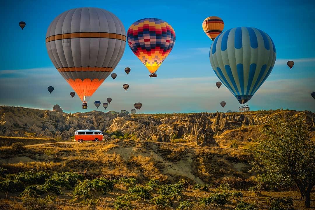 air-adventures-in-the-middle-east-hot-air-balloon-turkey-cappadocia