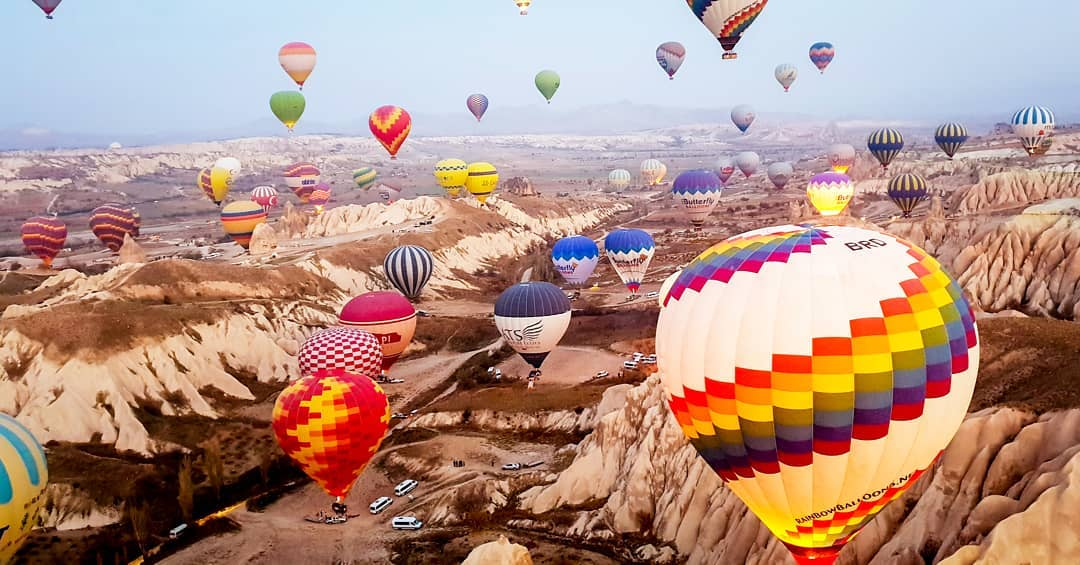 air-adventures-in-the-middle-east-hot-air-balloon-turkey-cappadocia