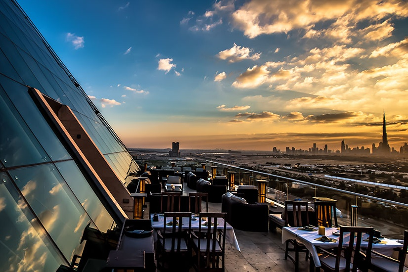 rooftop-bars-in-dubai-happy-hour-deals-tomo-raffles-dubai