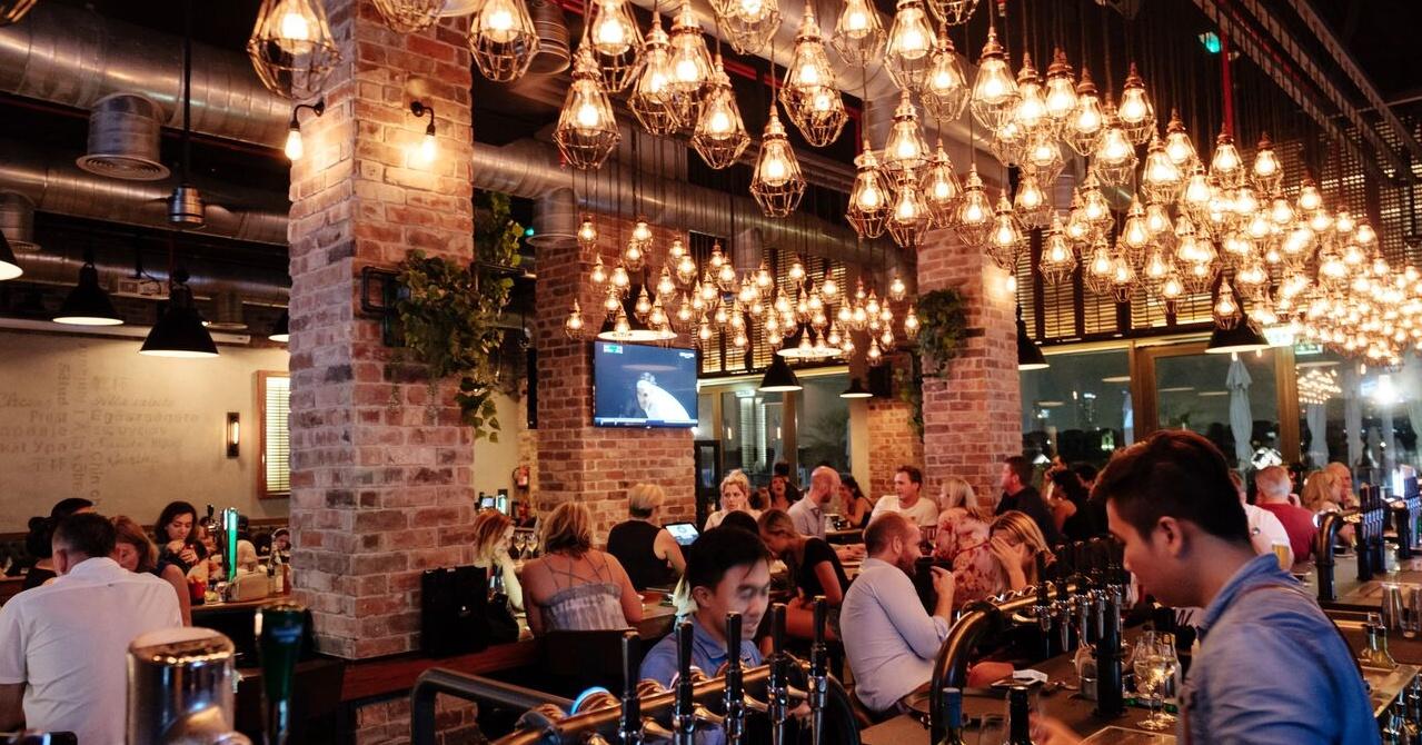 quiz-nights-in-dubai-the-tap-house-club-vista-mare-palm-jumeirah