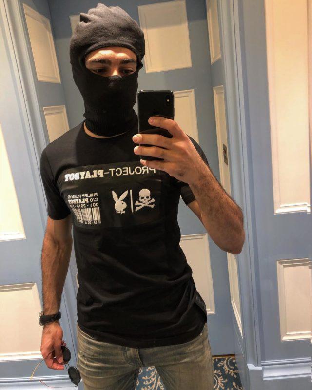 Mo Salah travelling incogn