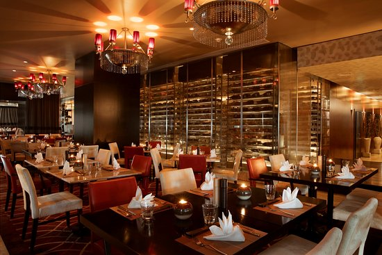 romantic-restaurants-in-dubai-teatro-dubai-valentines-day-2019