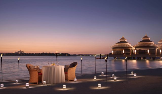 uae-staycations-for-valentines-day-2019-Anantara-The-Palm-Dubai-Resort_Dining-by-Design